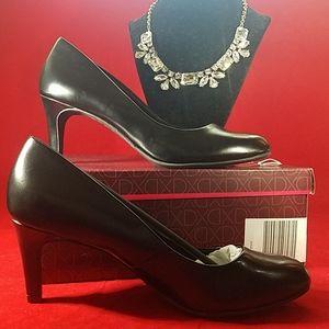 """Black 3"""" high heels, memory foam, Size 6"""